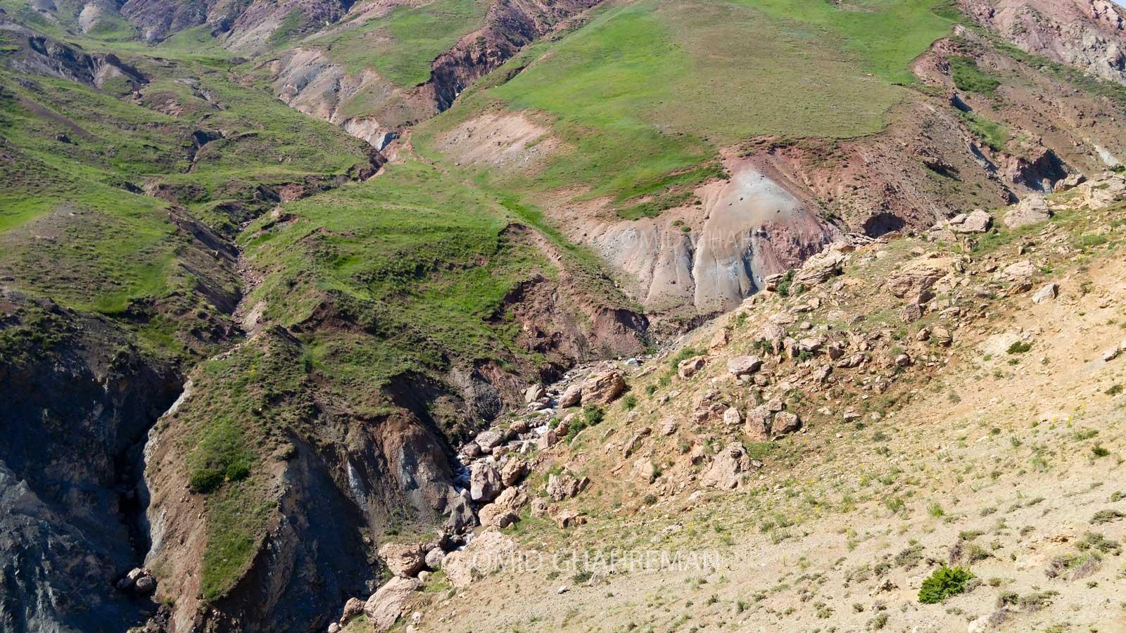 دره و رودخانه زیبای آواجیق در نزدیکی روستای طهماسب