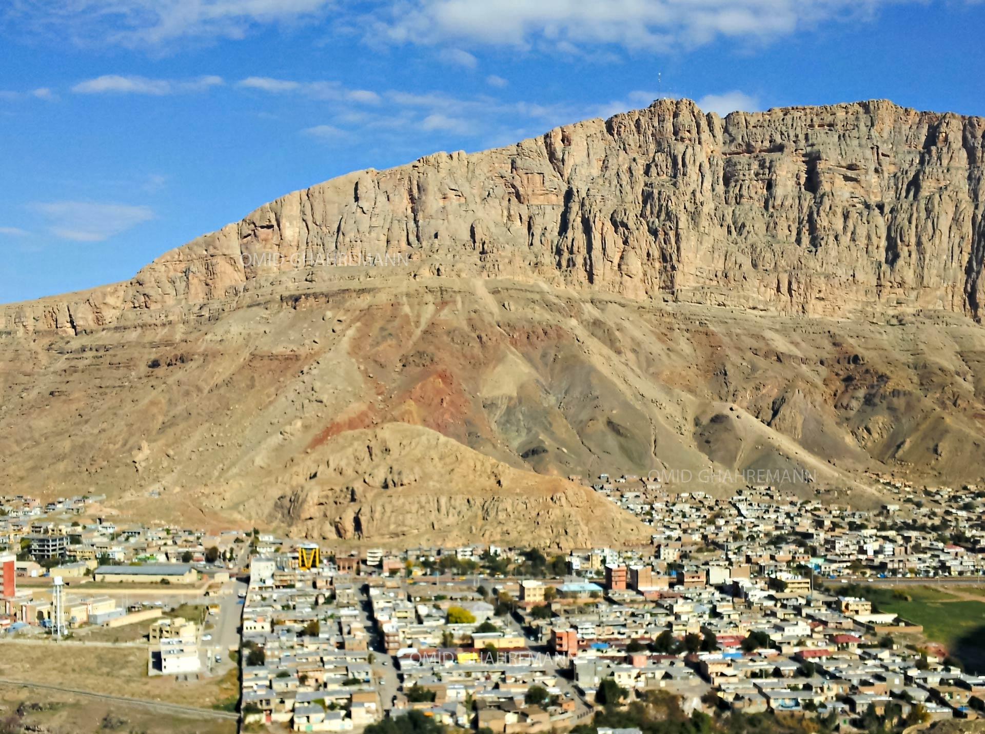 دیواره و کوه قیه از سمت ارتفاعات بوغلو قویو ماکو