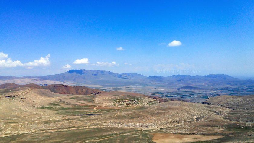 روستای جامیس از بالای کوه قیه
