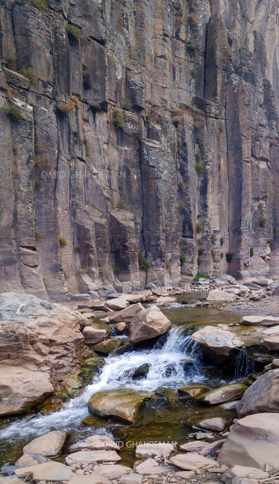 ستون های آذرین و رودخانه دره آذرین