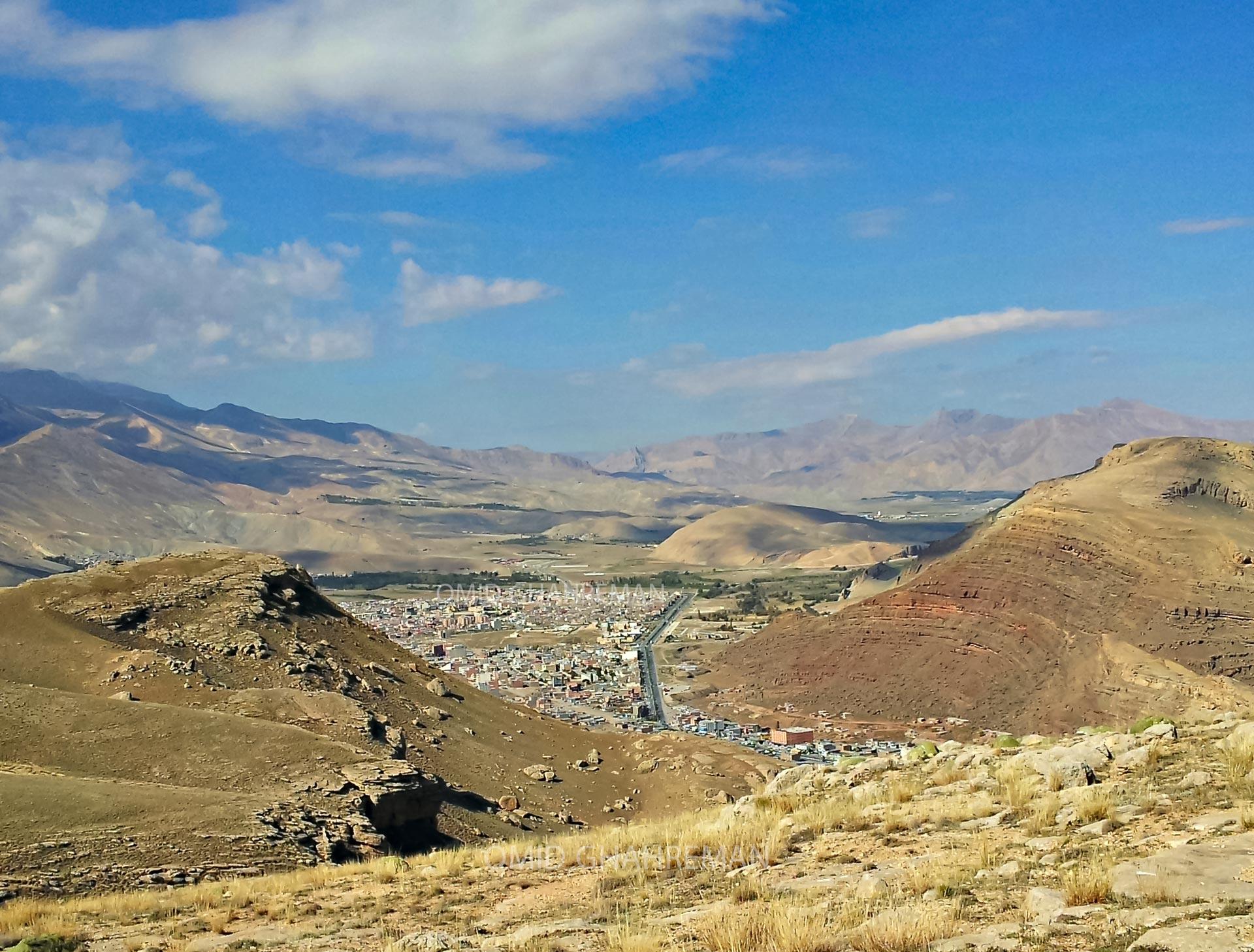 شهرک سایت ماکو در میان کوه ها
