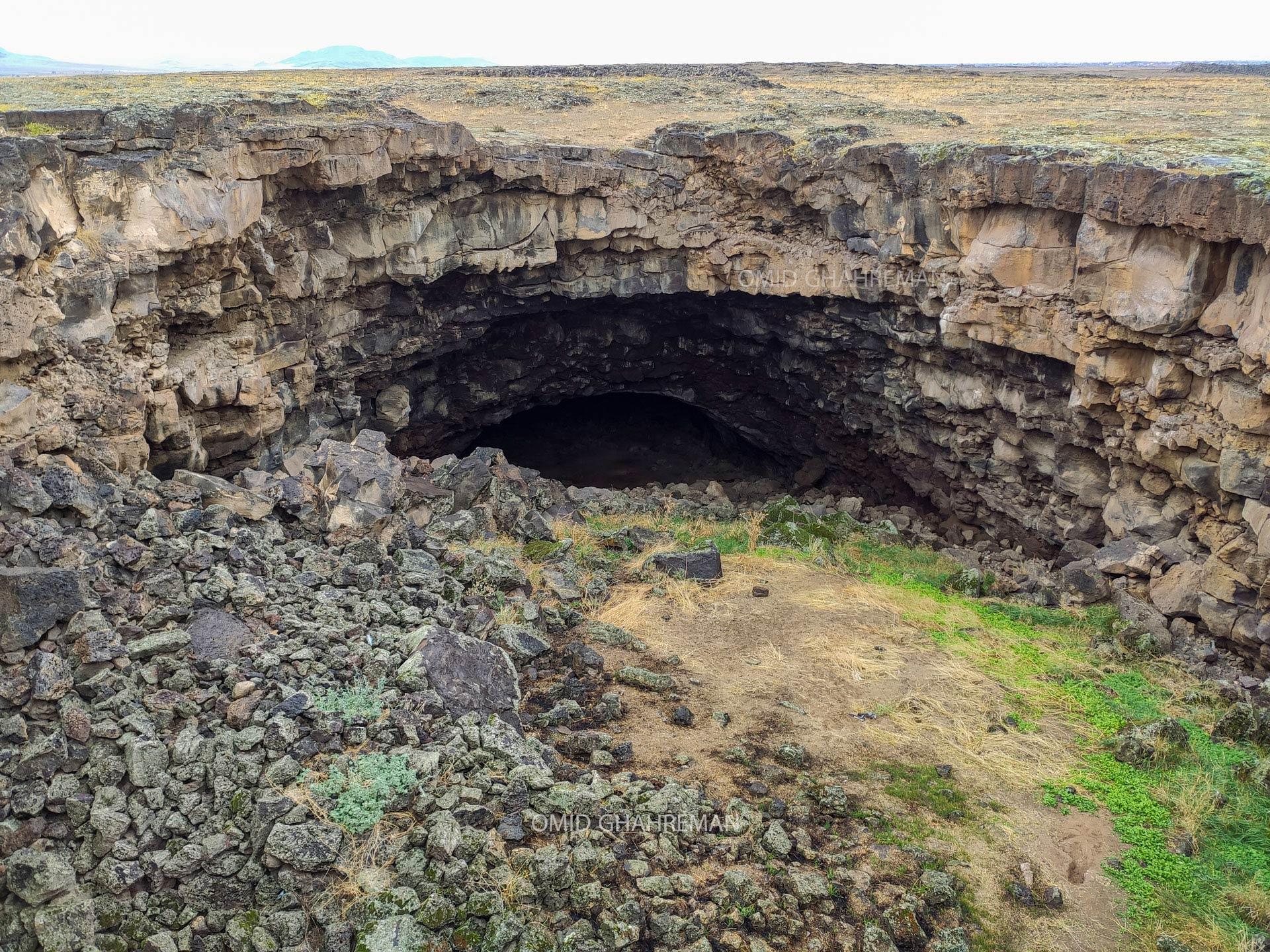 غار آتش فشانی و لاواتیوب جویرچین Govarchin lava tube cave