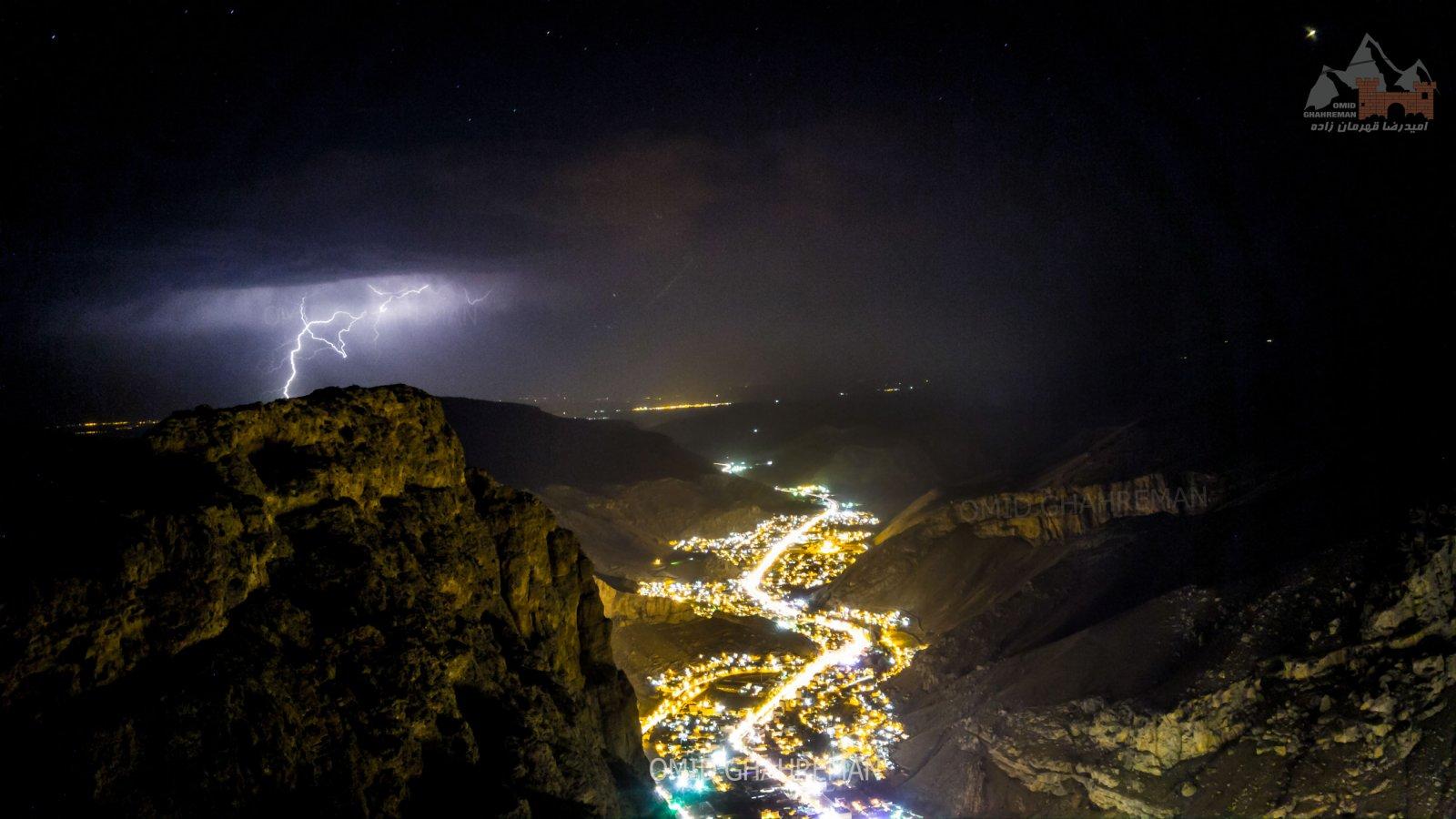 ماکو و شب های زیبای آن همراه رعد و برق