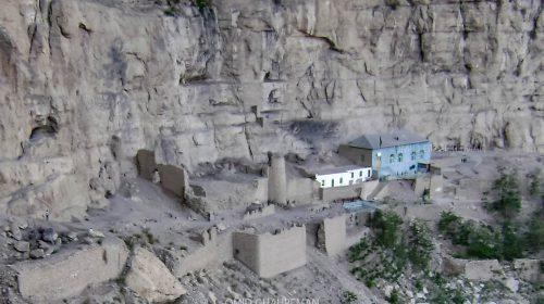 مسجد تاریخی ابوالفضل ماکو در کنار قلعه زیبای ماکو