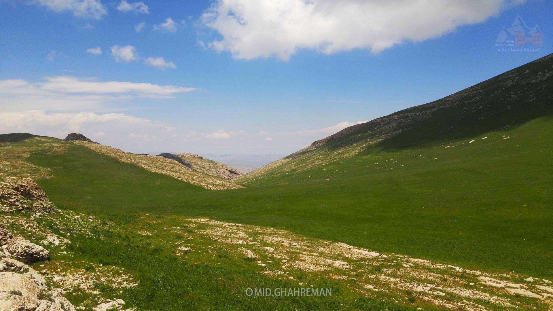 کوه قارلی در نزدیکی روستای تیکمه