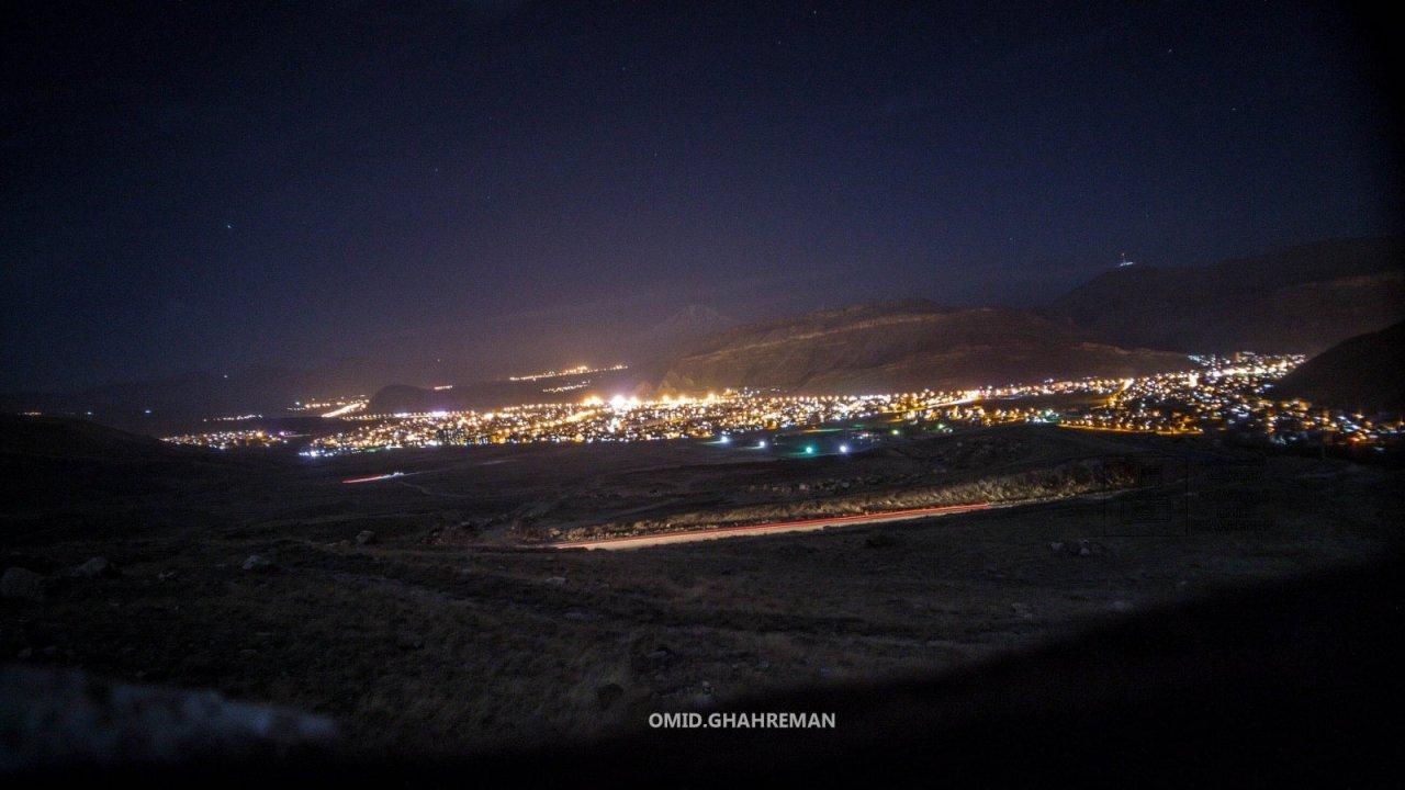 منظره ای شبانه از شهر ماکو از سمت قره خاچ