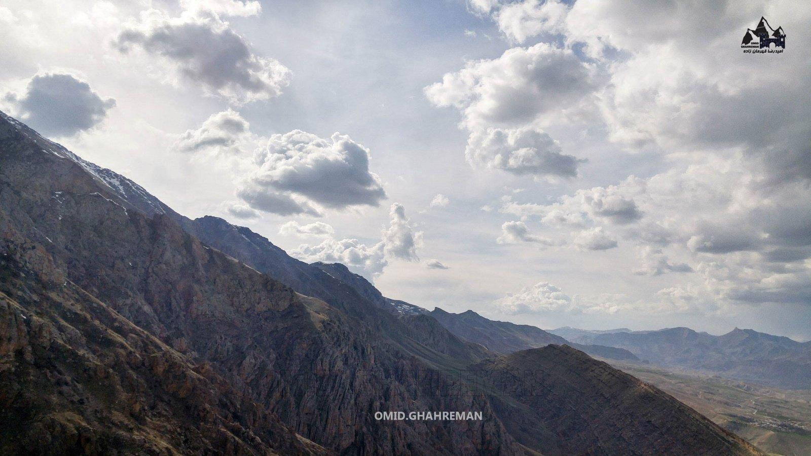 دره زیبای آناسو در کوه پایه های چرکین
