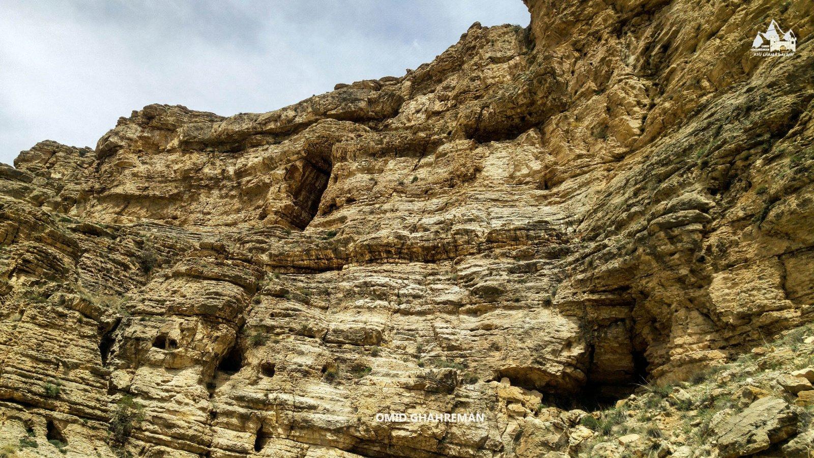 دیواره های رسوبی در ارتفاع 1700 ماکو