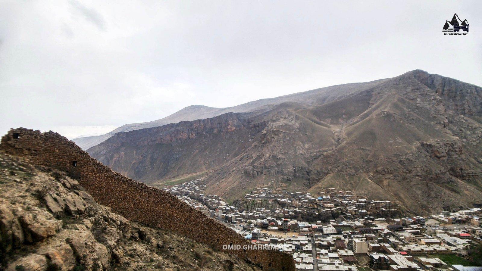 دیوار قلعه قبان ماکو و کوه سبد