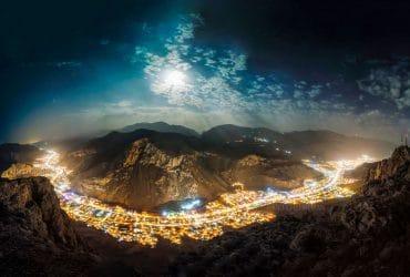 MAKU ماکو و نمای کامل طولی از شهر در شب های مهتابی توسط امید قهرمان OMID GAHHREMAN