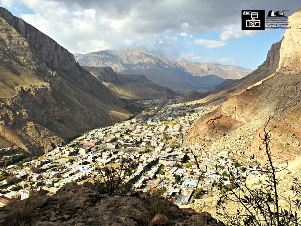 شهر زیبای ماکو به هنگام طلوع افتاب
